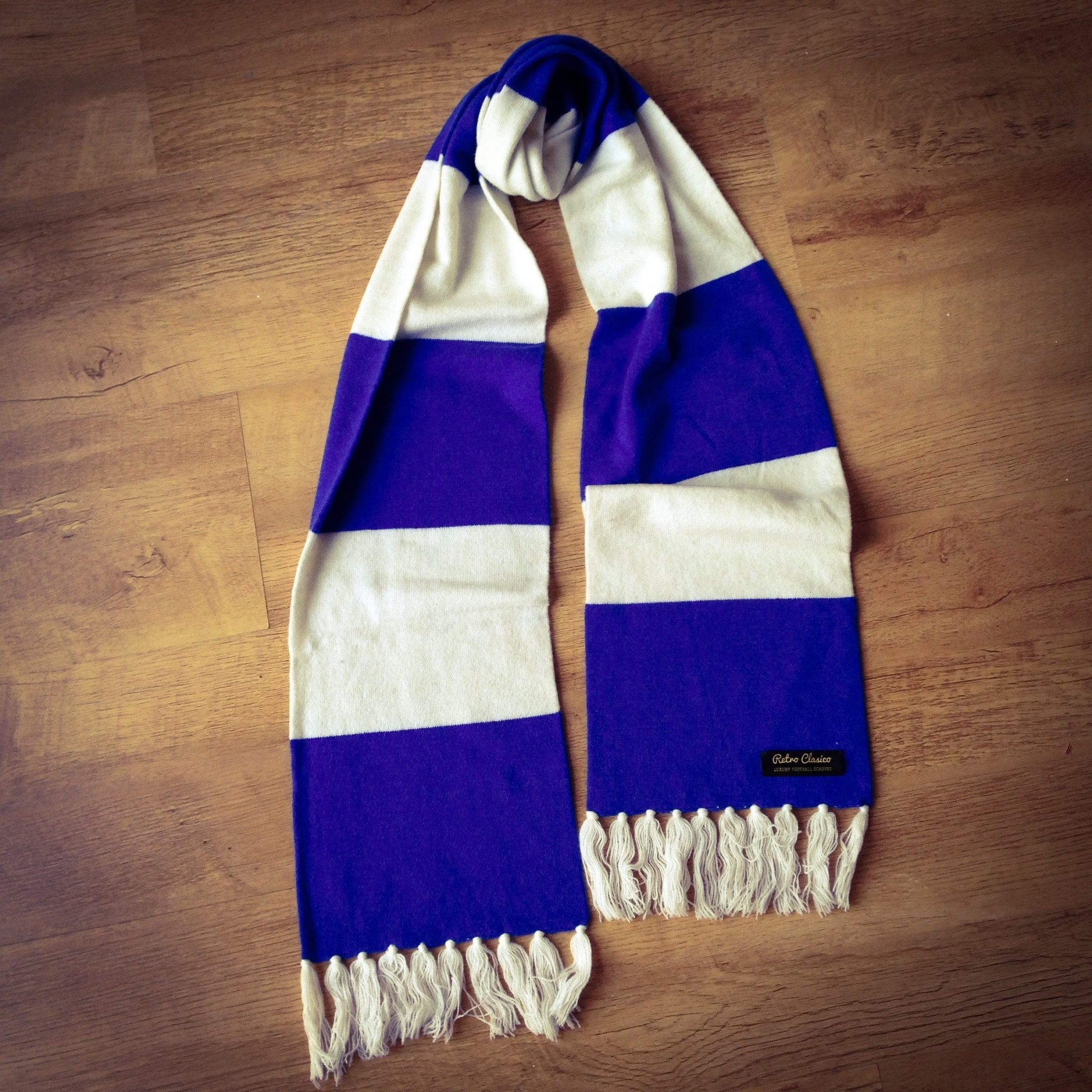 Knitting Pattern For Football Scarf : Everton Luxury Merino Wool Striped Football Scarf