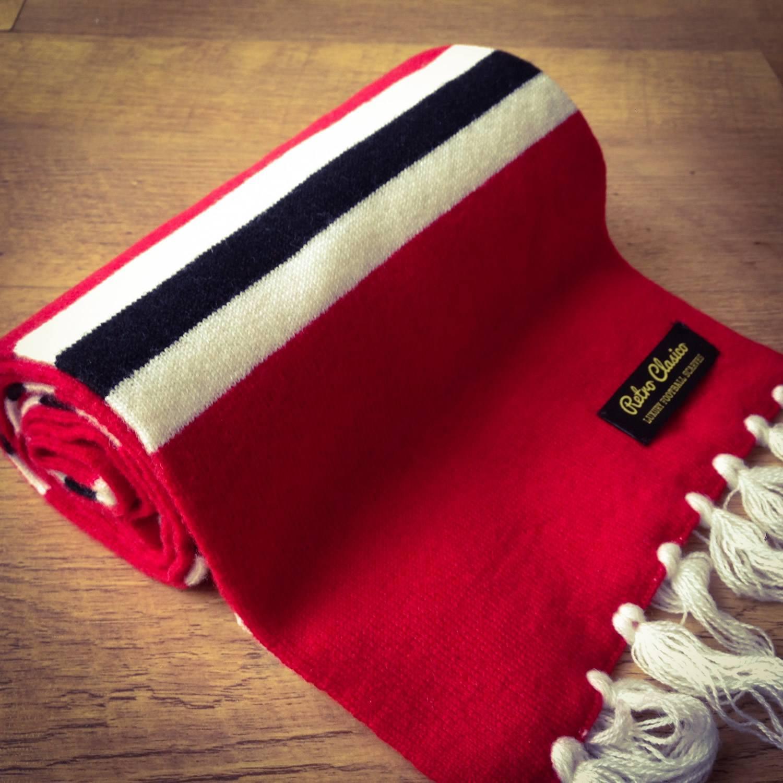 401b5c467989f Manchester United Luxury Merino Wool Striped Football Scarf
